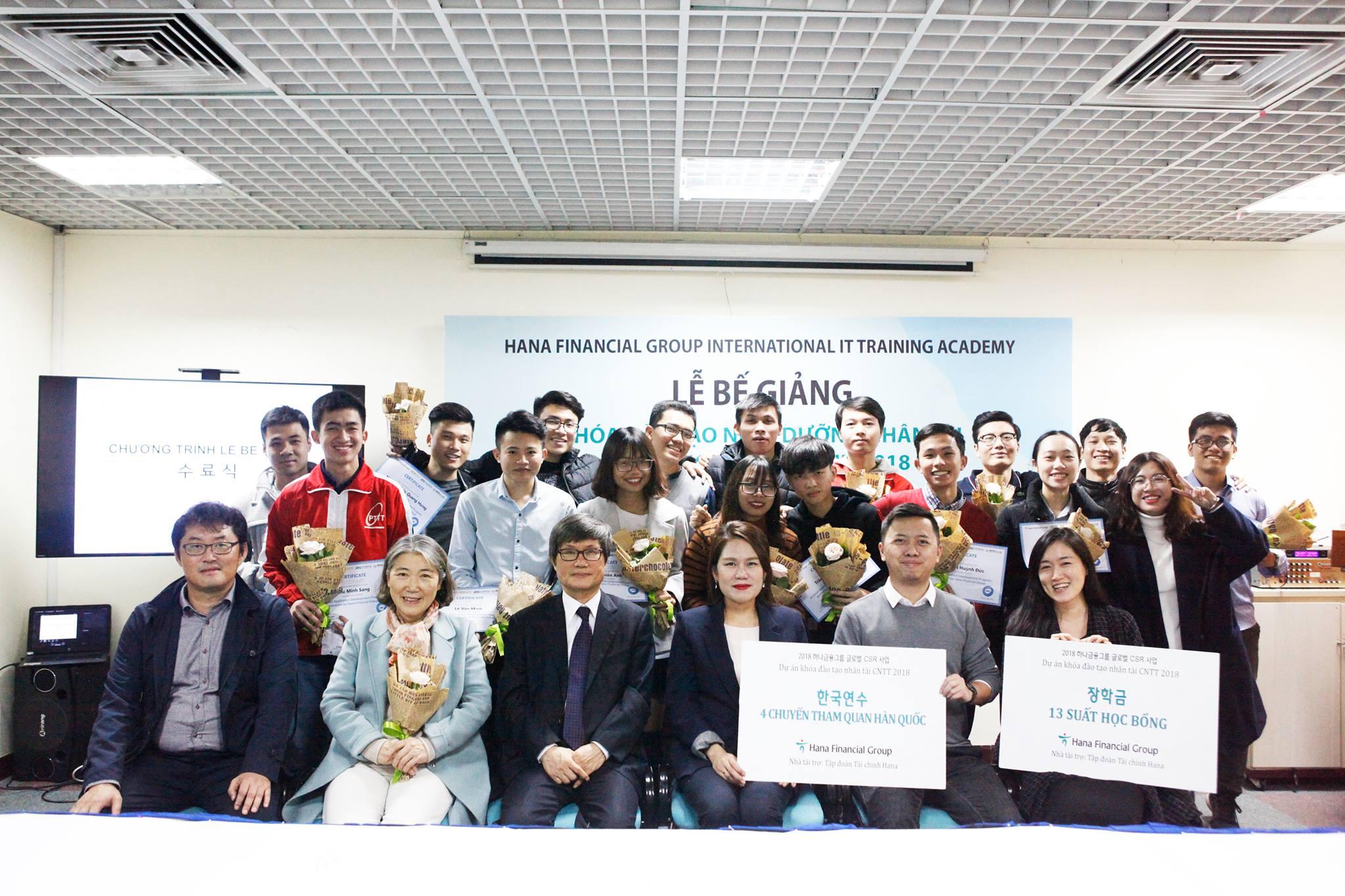 Lễ bế giảng Chương trình Đào tạo nuôi dưỡng nhân tài CNTT 2018
