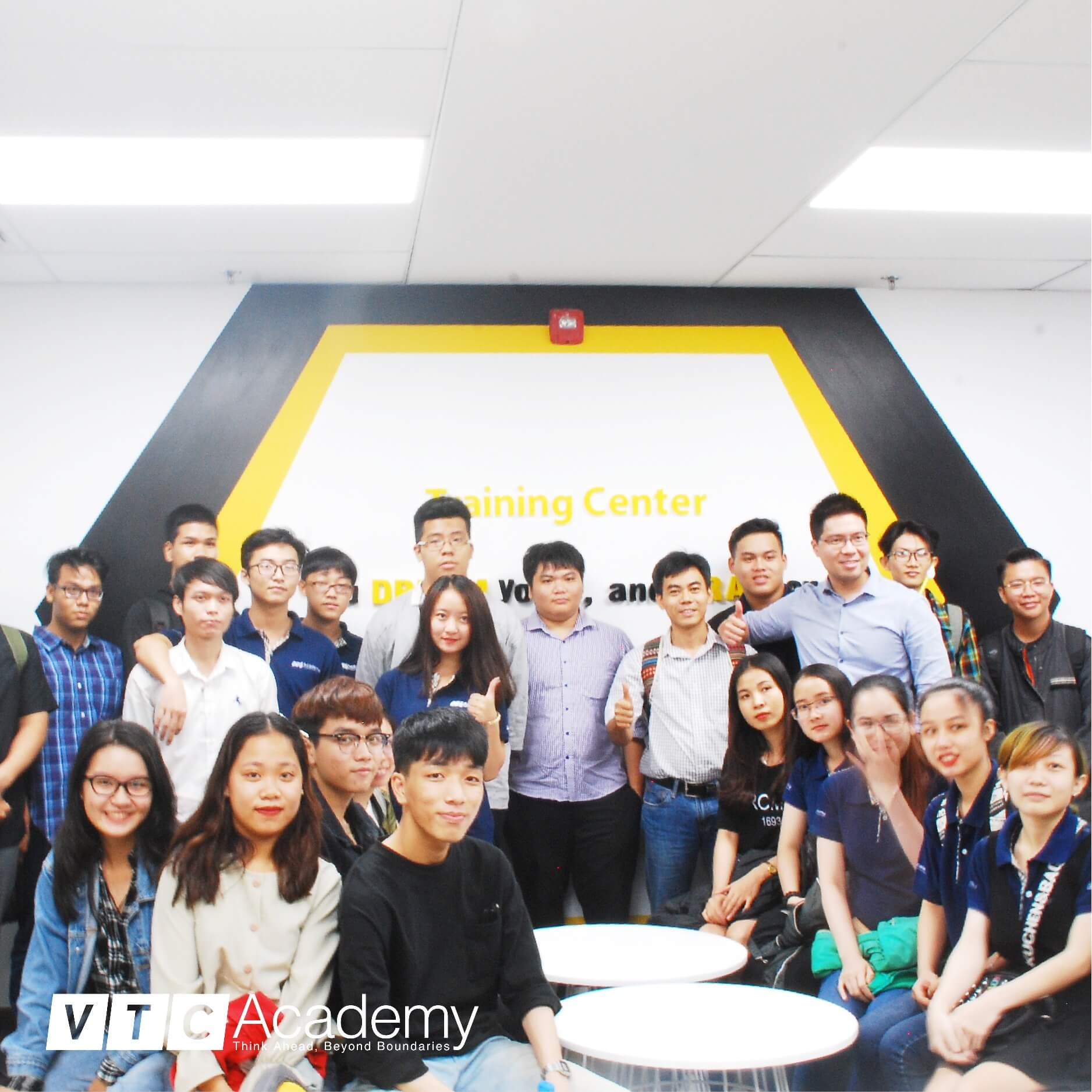 VTC Academy HCMC students experience the working environment at Bombus