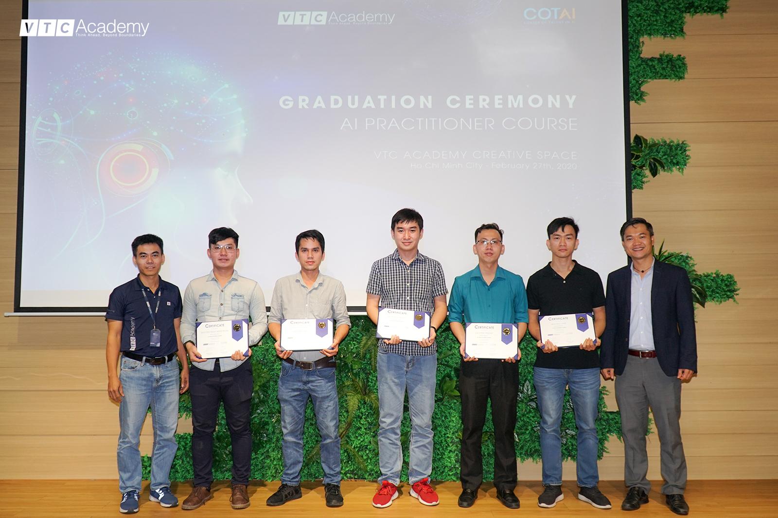 VTC Academy tổ chức lễ tốt nghiệp khóa AI Practitioner đầu tiên