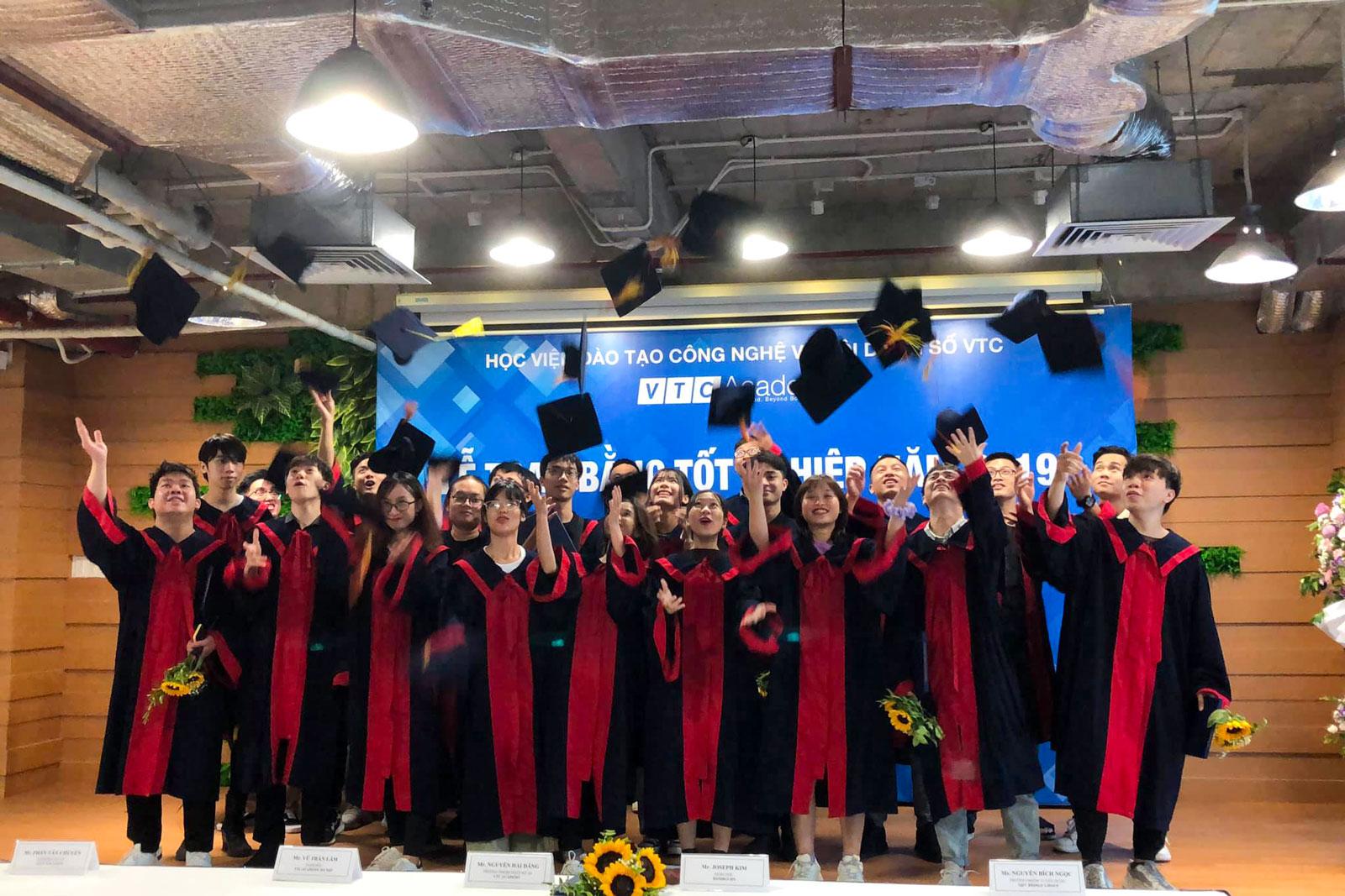 VTC Academy tổ chức lễ tốt nghiệp cho học viên tại Hà Nội