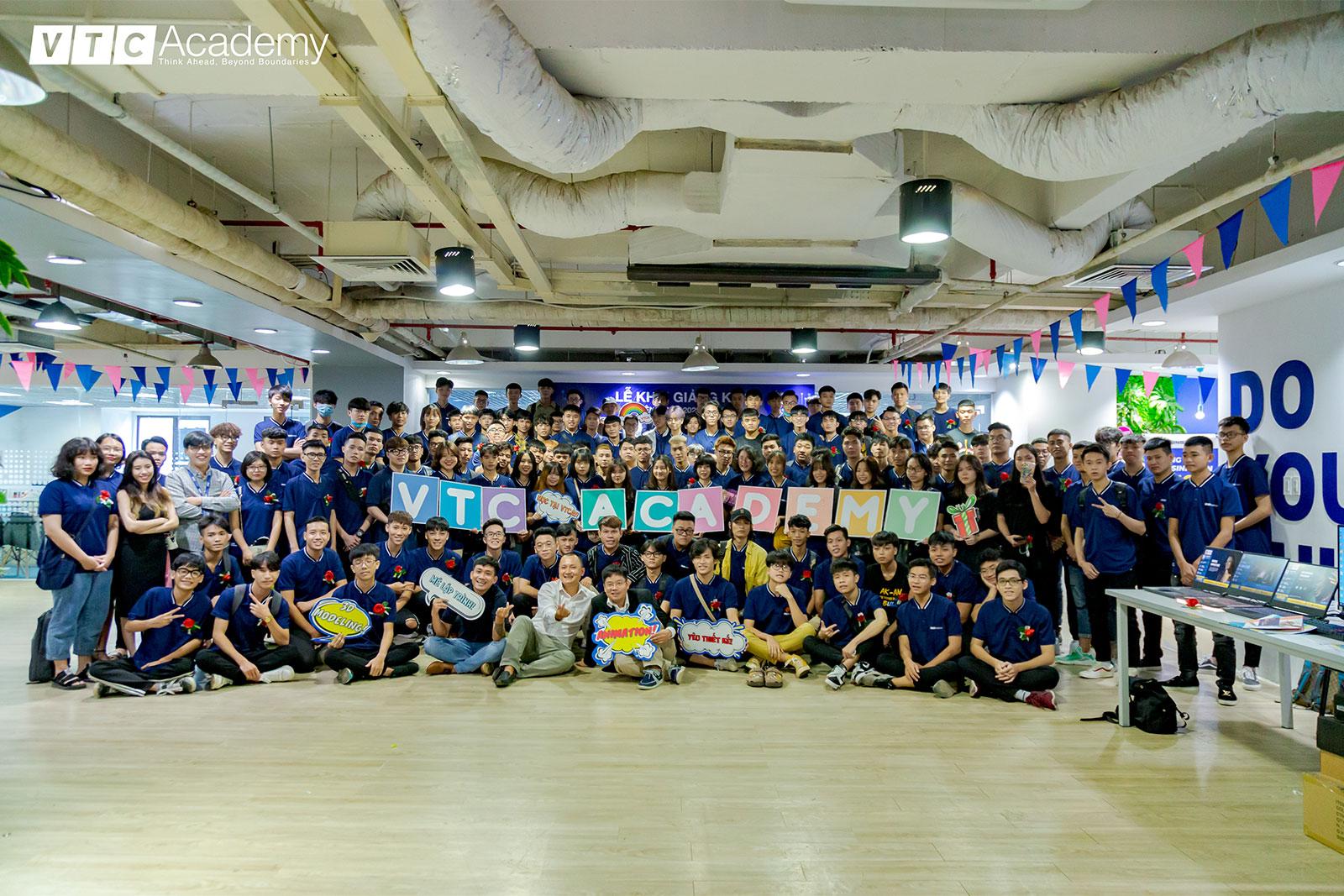 ngay-nhap-hoc-vtc-academy-1