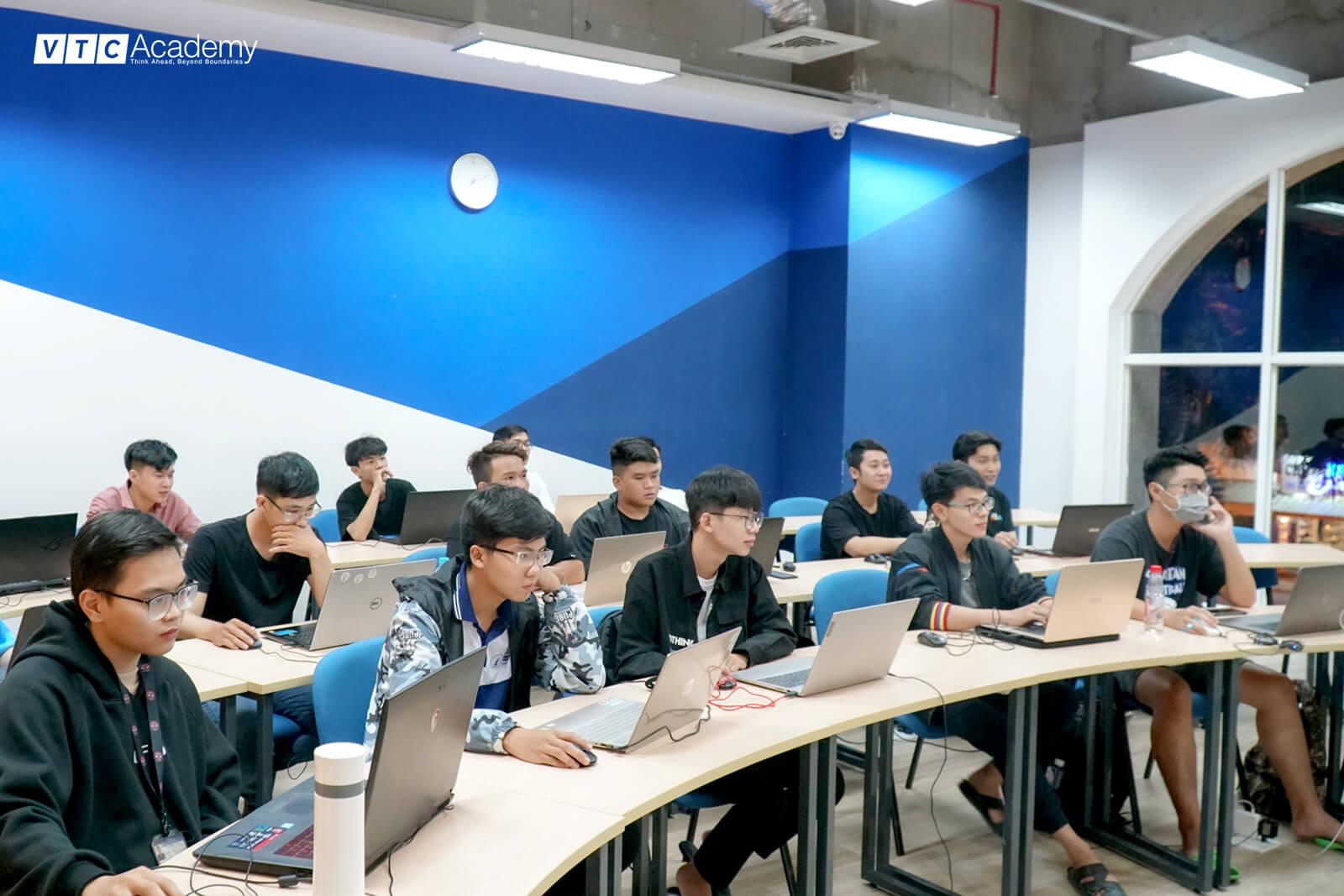 vtc-academy-hoc-thu-lap-trinh-game-4