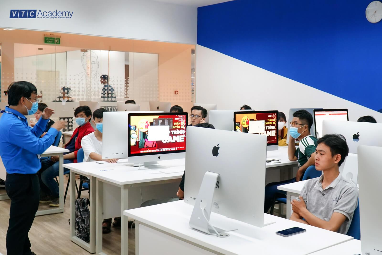 vtc-academy-hoc-thu-lap-trinh-game-6