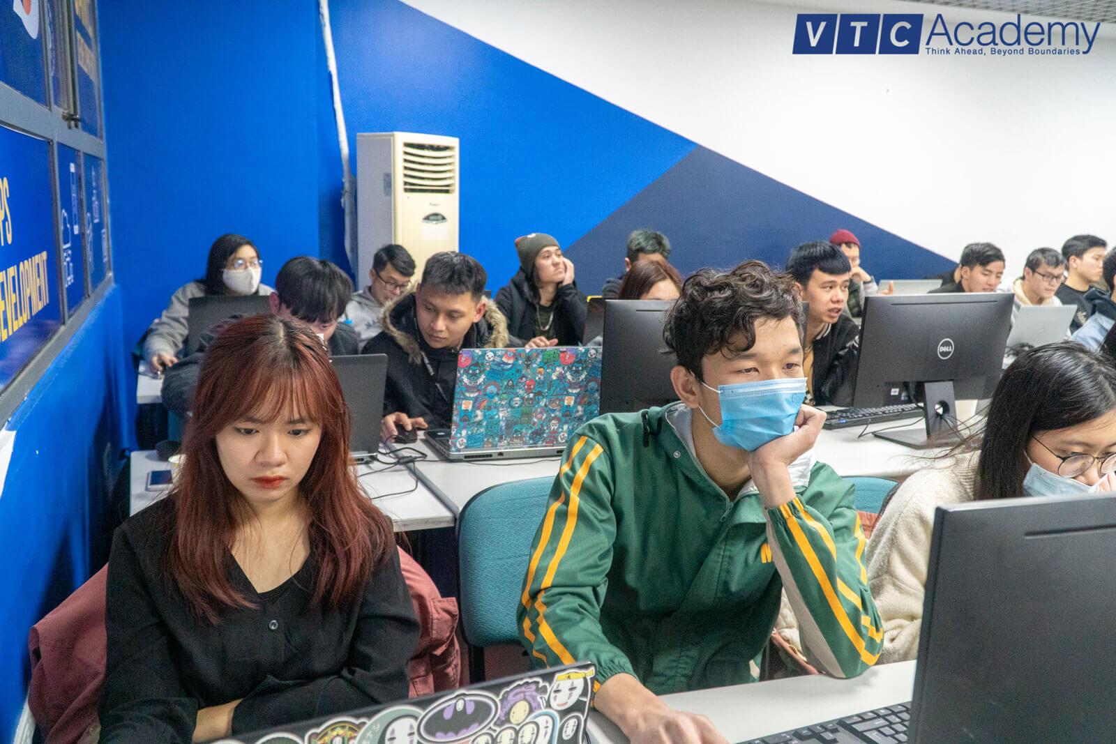 2d-bootcamp-vtc-academy-10