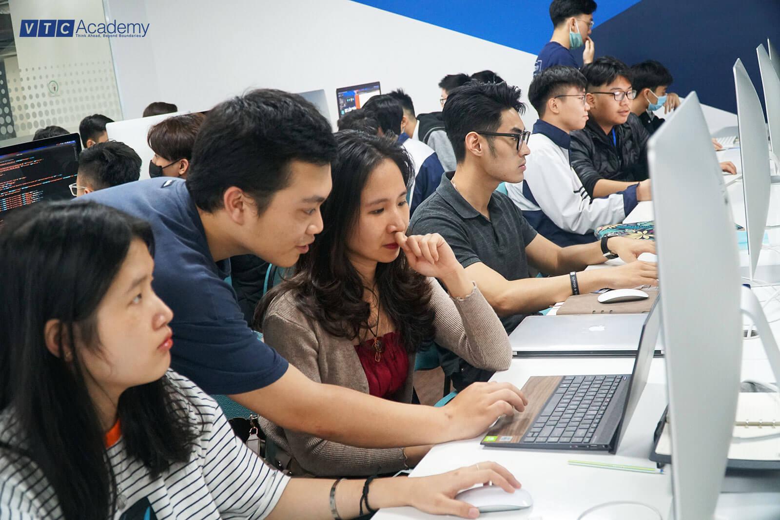 VTC Academy tổ chức nhiều hoạt động tìm hiểu về lập trình và thiết kế trong tháng 03/2021