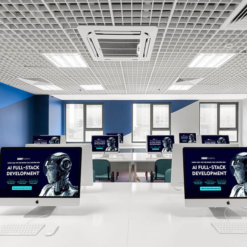 Trang thiết bị hiện đại </br>với phòng Lab chuẩn quốc tế