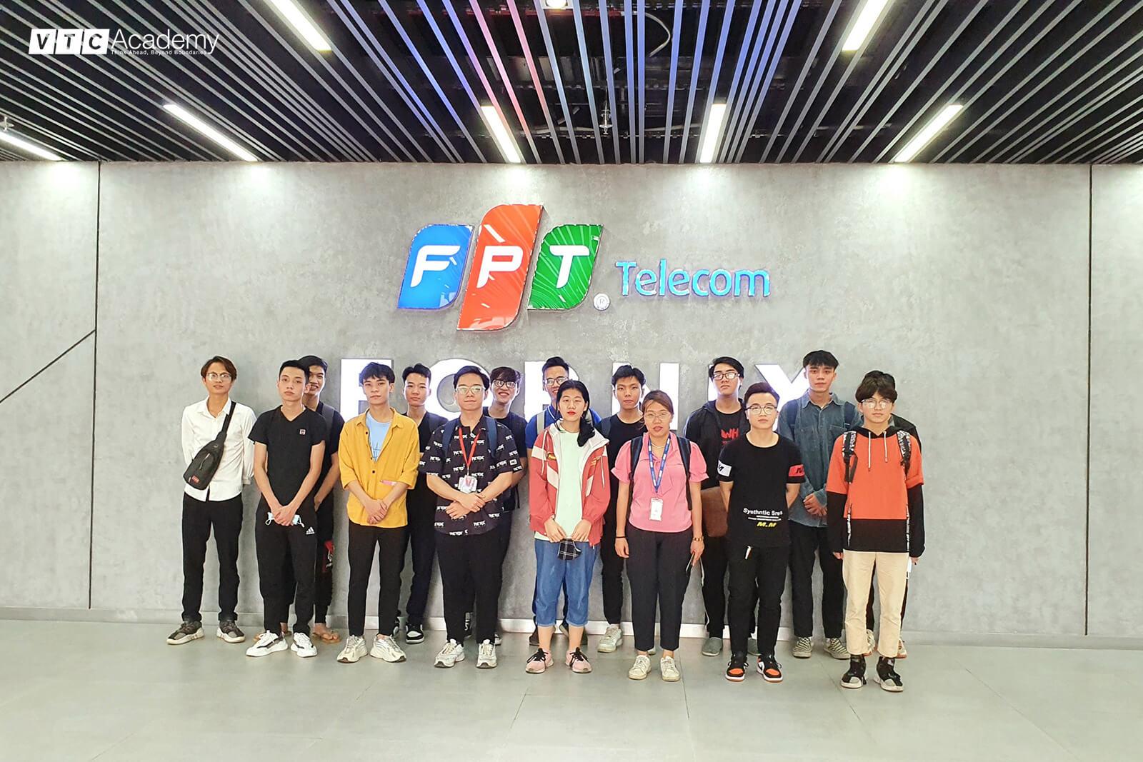 VTC Academy tổ chức chuyến thăm FPT Telecom dành cho học viên Hà Nội