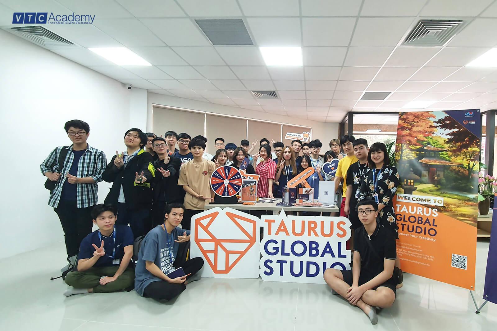 VTC Academy tổ chức chuyến thăm N&V Bridge dành cho học viên Hà Nội