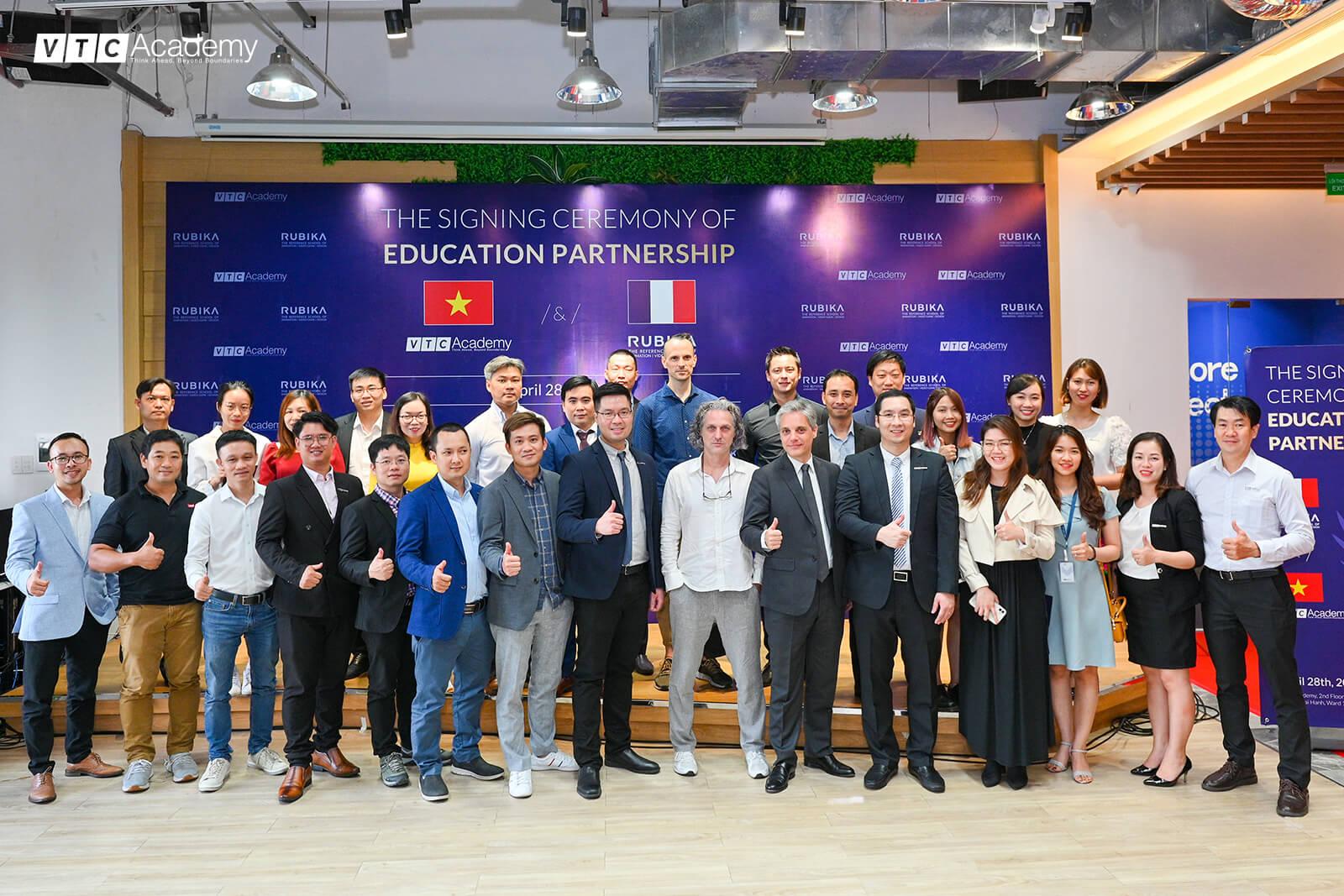 HTV9: Tăng cường hợp tác giáo dục Việt – Pháp cùng lễ ký kết đào tạo liên thông giữa VTC Academy – RUBIKA